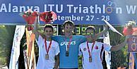İzmirli Ata Triatlonda Dünya 3üncüsü Olmanın Mutluluğunu Yaşıyor
