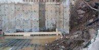 Kağıthane'de duvar çöktü, 2 bina tahliye edildi