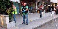 Kahvehanede otururken cinnet getirdi, 2 kişiyi öldürdü