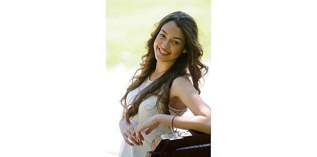 Dilan Çiçek, Kainat Güzellik yarışmasında Türkiye'yi temsil edecek