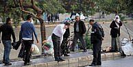 Kara Çarşafli Pembe Şemsiyeli Saldırgan 2 Kişiyi Vurdu- Ek Fotoğraf
