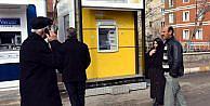 Kasklı Hırsızlar, Atm'den 250 Bin Lira Çaldi