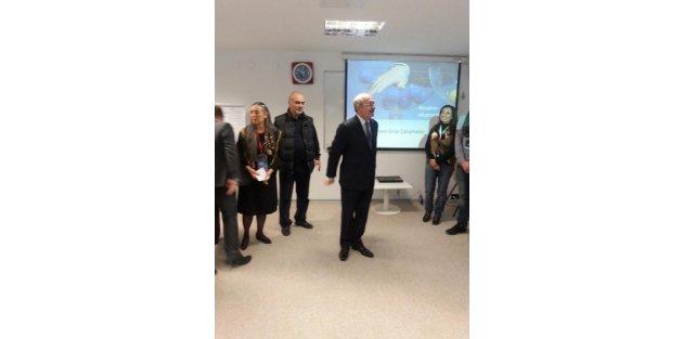 Kılıçdaroğlu'ndan Bülent Ecevit Siyaset Okulu'na sürpriz ziyaret