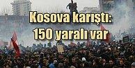 Kosova halkı, #39;Anneler#39; için sokaklara döküldü, 110 yaralı var