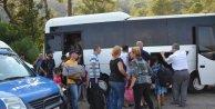 Köyceğizde yolcu otobüsünde 48 kaçak ile 5 organizatör yakalandı