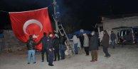 Kozan'a şehit ateşi düştü: Karaca'nın evine dev bayrak
