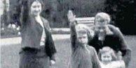Kraliçe Nazi Selamı verirken yakalandı