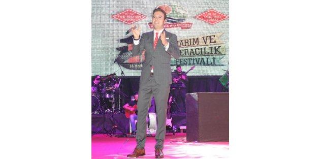 Kumlucada Mustafa Ceceli konseri