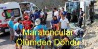 Maratoncuların Minibüsü devrildi: 7 yaralı