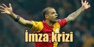 Melodan imza resti: Galatasarayda Melo krizi