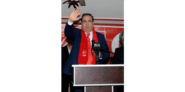 Mersin'de ihale operasyonu: 40 gözaltı, eski başkan Özcan aranıyor