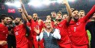 Milli takım'ın EURO 2016 'daki rakipleri bugün belli olacak