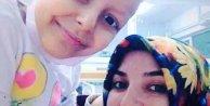 Mustafa Ceceli'den kanser hastası kıza moral verdi