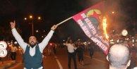 Kahramanmaraş'ta öfkeli kalabalık, Öcalan'ın fotoğraflarını yaktı