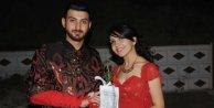 Öğretmen çiftten fidanlı düğün davetiyesi