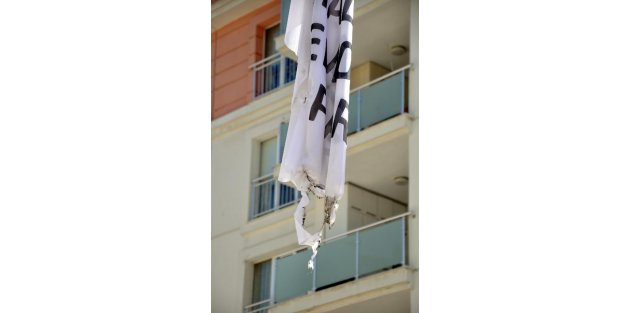 Osmaniyede HDP bayrağı yakıldı