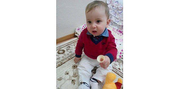 Oyun oynarken rahatsızlanan 2 yaşındaki çocuk öldü