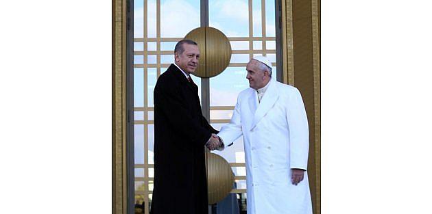 Papa Francesco Uçakta Konuştu / Ek Fotoğraflar