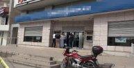 Pendik'te banka soygunu: Güvenlik görevlisini vurdular