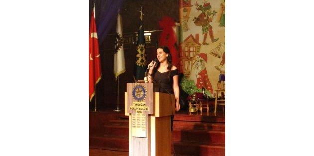 Rotaryden Dilek öğretmene ödül