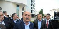 Sağlık Bakanı Müezzinoğlunun önünde kendini yakmak istedi (2)