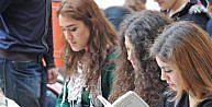 Samsunda Üniversitelilerden Okuma Etkinliği