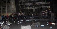Sanatçı Gökhan Türkmen konsere çıkmayınca öğrenciler protesto etti
