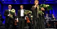 Sezen Aksu, Royal Filarmoni orkestrasıyla büyüledi