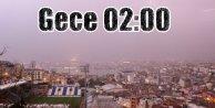 Şimşekler İstanbul'u gündüze çevirdi