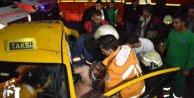 Şişli'de kaza yapan taksiciyi itfaiye kurtardı