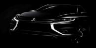 Sportif ve sofistike Mitsubishi Outlander PHEV Paris'te görücüye çıkıyor