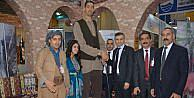 Sultan Köse, fuarda Hakkari standını ziyaret etti