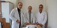 Suriyeli gencin kopmak üzere olan kolu 6 saatlik operasyonla kurtarıldı