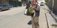 Suriyelileri Teneke Çalarak Protesto Etti
