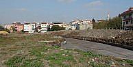 Tarihi Bostana Süs Havuzu İnşaati Durdu