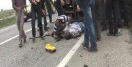 Tarım işçilerinin kamyoneti kaza yaptı: 2 ölü, 10 yaralı