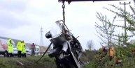 TEM'de takla atan otomobilde baba oğul öldü, 3 kişi yaralandı