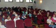 Tuba Büyüküstün'e doğum günü hediyesi: 73 çocuk gülümsemesi