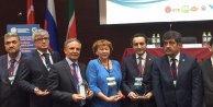 Türk Dünyası Gazeteciler Şurasında 'Basın Ödülü Avrupa Medya Grubuna verildi