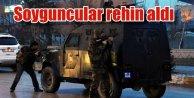 Van'da banka soygunu | Soyguncular 7 kişiyi rehin aldı