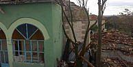 Yıldırım Düştü Eski Caminin Minaresi Yıkıldı