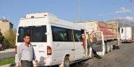 Yolcu minibüsü TIRa arkadan çarptı: 6 yaralı