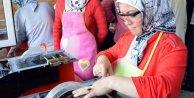 Zileli kadınlar ekmeğini taştan çıkarıyor