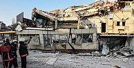 Beyoğlu'nda iki katlı bina çöktü