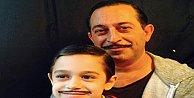 Cem Yılmaz oğluyla poz verdi