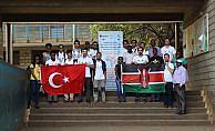 TİKA'nın gönüllü elçileri Kenya'da kütüphane kuracak