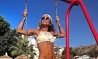 Eliz'den bikini şov