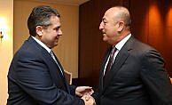 Dışişleri Bakanı Çavuşoğlu'dan telefon diplomasisi