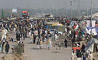 Pakistan'da hükümet ile protestocular uzlaştı