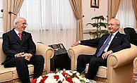 TBMM Başkanı Kahraman, Kılıçdaroğlu'nu ziyaret etti